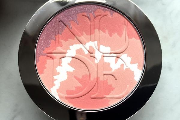 DIORSKIN Nude Tan Blush Tie Dye Edition Pink Sunrise