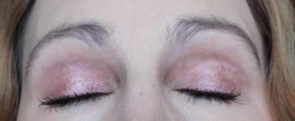 CHANEL Stylo Eyeshadow Collection Méditerranée 127 Laurier Rose - Highendlove
