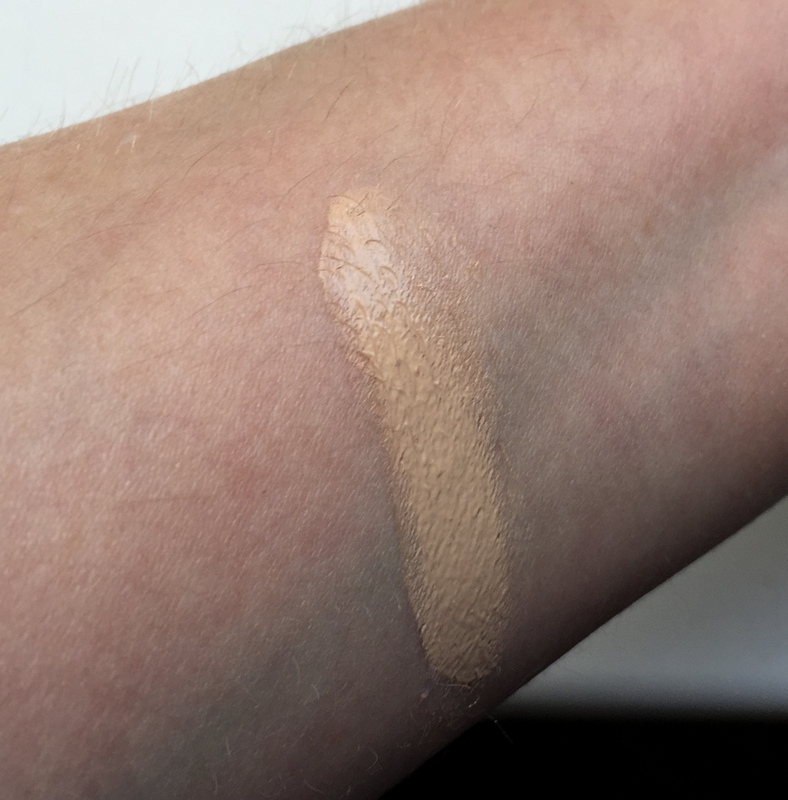 Chanel CC Cream SPF 50 Farbe B20 Swatch - Highendlove
