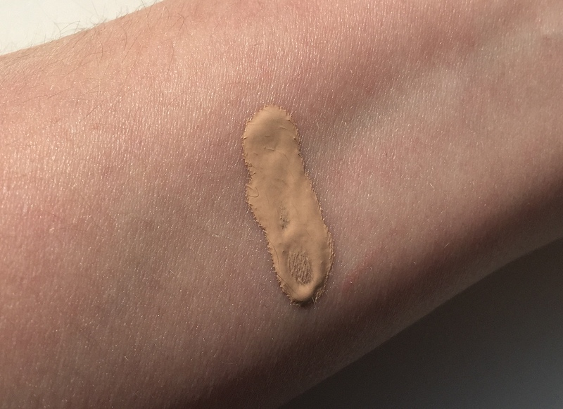 BOBBI BROWN Intensive Skin Serum Foundation SPF 40 Swatch Cool Sand 2.25 - Highendlove