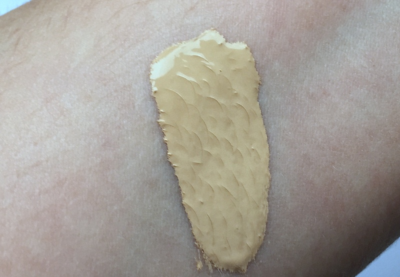 TOO FACED Born this Way Foundation Swatch Porcelain - Highendlove