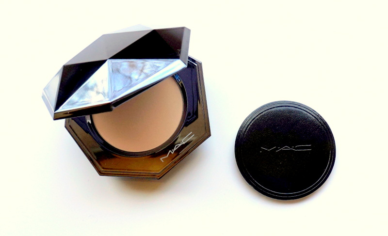 MAC Sheer Mystery Powder - Highendlove