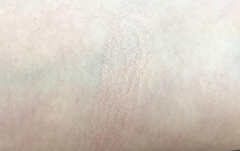 CHANEL Joues Contraste Lumiére Highlighting Blush Swatch - Highendlove