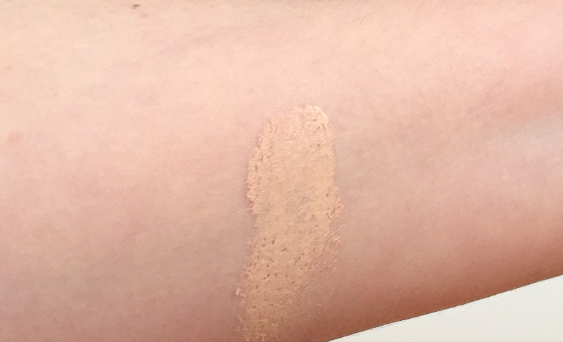 CHANEL Les Beiges Healthy Glow Foundation Swatch Farbe 22 Rose - Highendlove