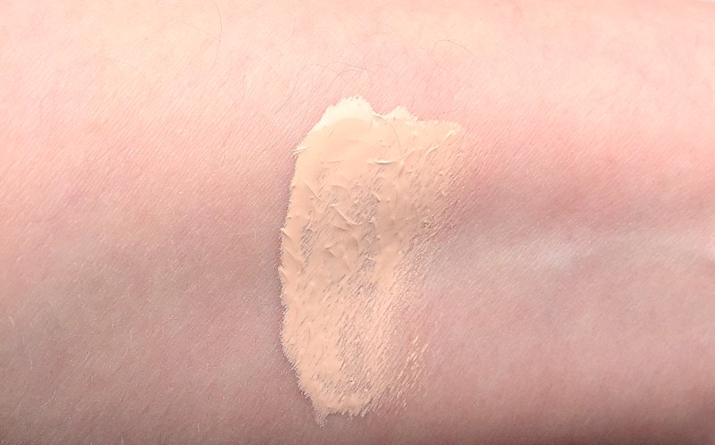 KOH GEN DO SuperKOH GEN DO Aqua Foundation Swatch 012 - Highendlove