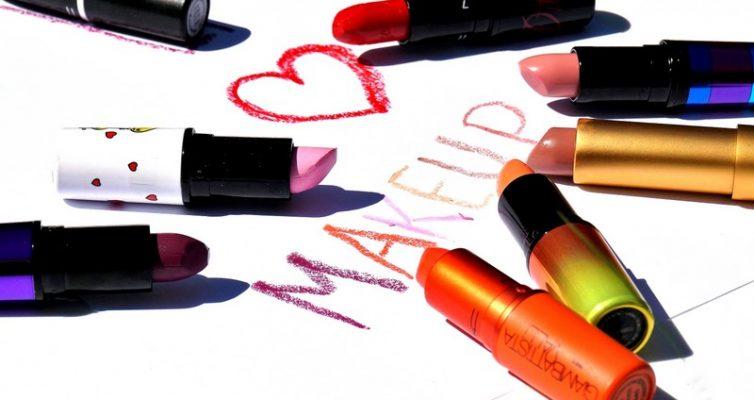 I love Makeup - Eine Hommage an Makeup - Warum Frauen (teures) Makeup lieben und Männer sich darüber freuen sollten - Highendlove