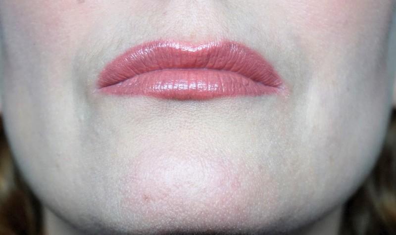 CHARLOTTE TILBURY K.I.S.S.I.N.G Bitch Perfect Lippenstift - Highendlove