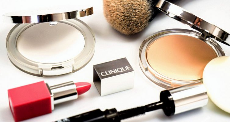 CLINIQUE Almost Powder Makeup & Stay-Matte Universal Blotting Powder - Highendlove
