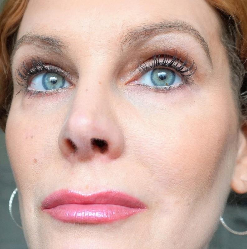 HUDA BEAUTY Lip Strobe Enchanting - Highendlove